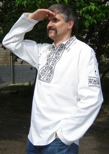 Вот классическая малорусская рубашка в национальном стиле мужского.